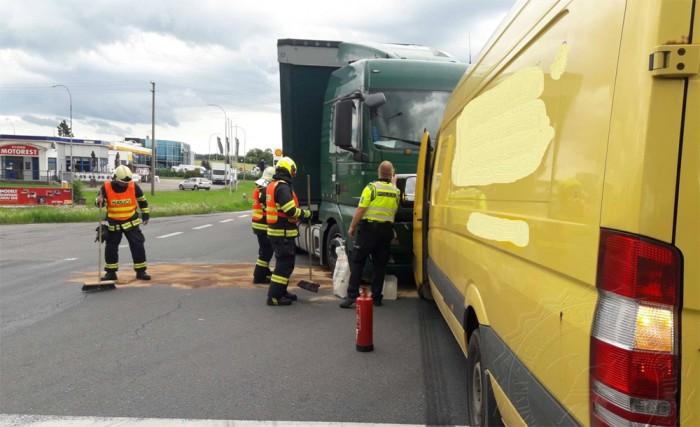 Při dopravní nehodě nákladního a dodávkového vozidla u Svitav byla zraněna jedna osoba