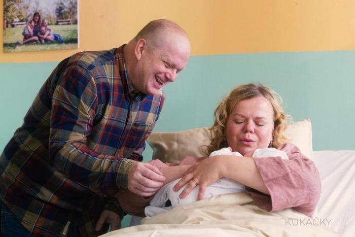Výměna dětí! Biser Arichtev natáčí seriál Kukačky, který zastihne rodiče v nelehké situaci