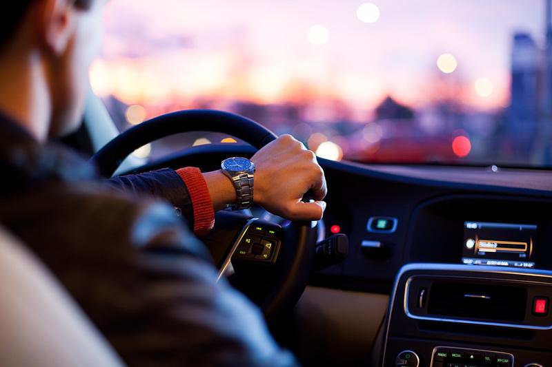 Řidič překročil nejvyšší povolenou rychlost, navíc měl pozitivní dechovou zkoušku