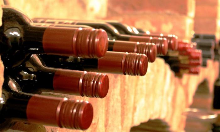 Evropská komise dočasně zmírnila soutěžní pravidla v oblasti pěstování a výroby vína