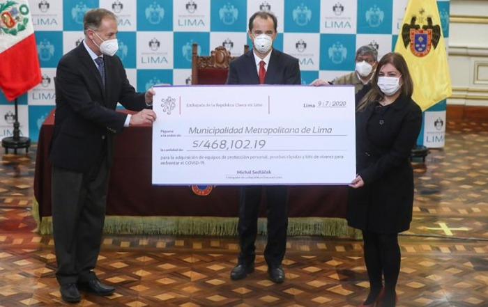 Česká republika darovala 3,5 milionu korun Limě na pomoc v boji proti pandemii