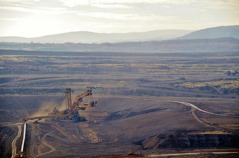 Zaměstnancům Sokolovské uhelné, které postihne útlum těžby by mohla pomoci změna nařízení vlády