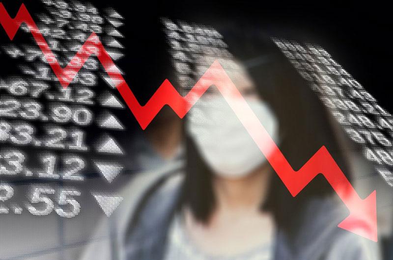 Letos se ekonomika propadne o 7,8 %, za rok poroste o 4,8 %