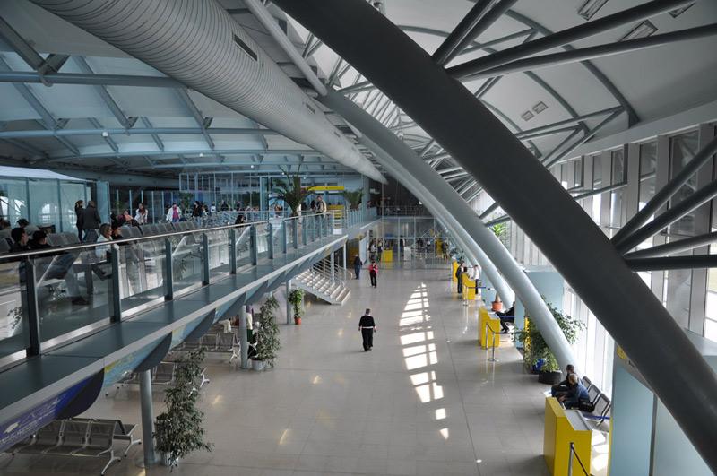 Letiště Brno odbavilo za první polovinu letošního roku o téměř devadesát procent méně cestujících než v roce 2019