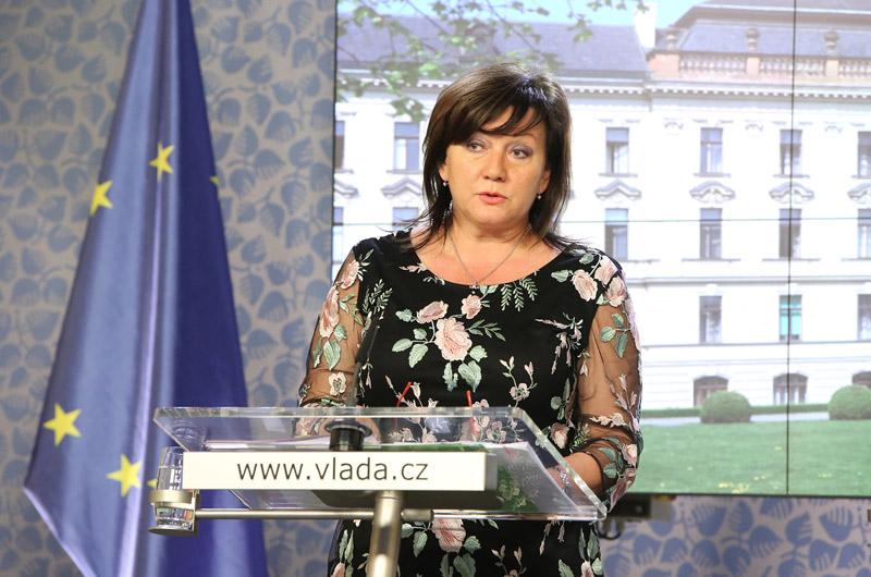 Schodek státního rozpočtu ke konci srpna stoupl na 230 miliardy korun