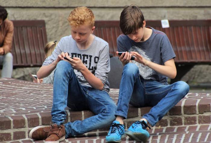 Jak na výběr mobilního tarifu pro děti