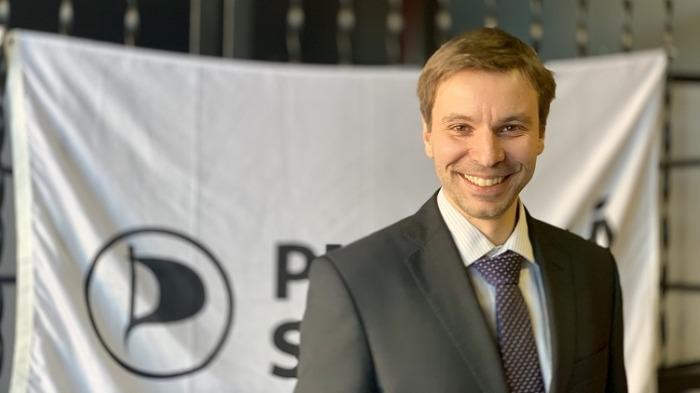 Místopředseda Evropského Parlamentu Marcel Kolaja: Evropská komise zkoumá možnosti, jak získat více kontroly nad on-line komunikací jednotlivců