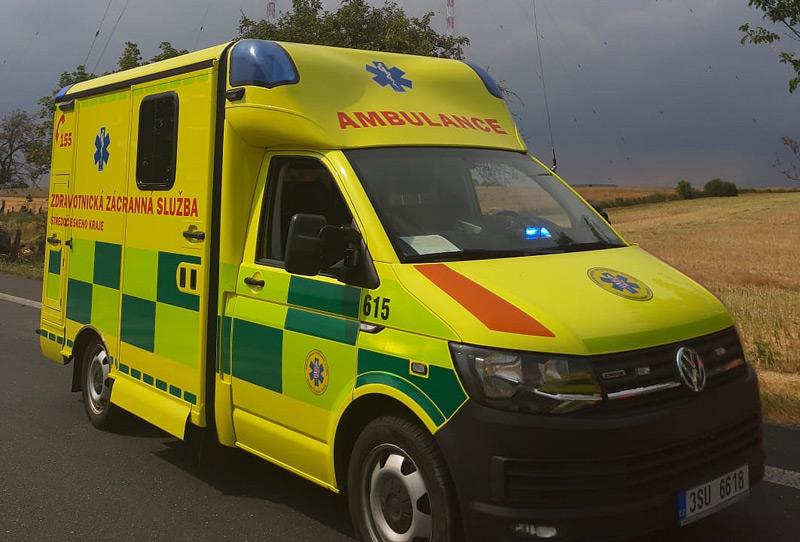 U Heřmanic došlo ke střetu vozidla s chodcem, který na místě zemřel