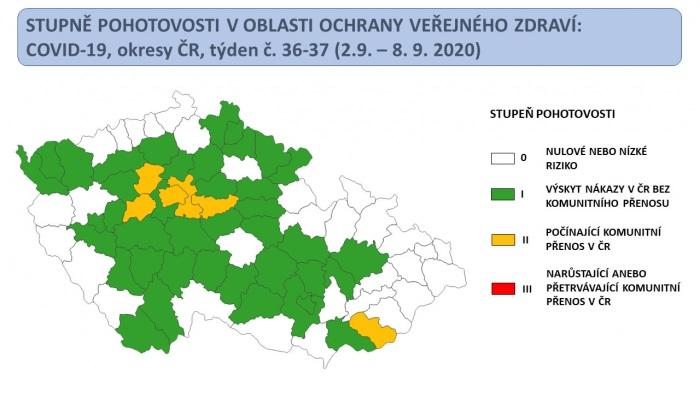 V oranžovém stupni pohotovosti jsou další regiony, nejvýznamnějším ohniskem zůstává Praha