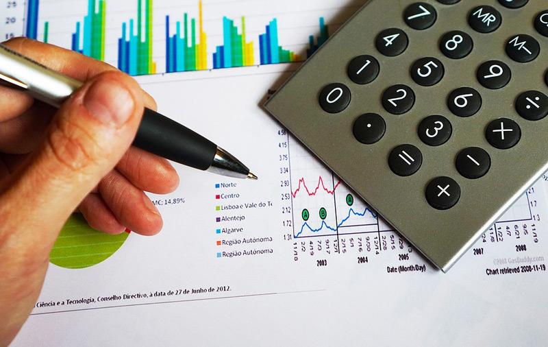Hledáte české dluhopisy, do kterých se vyplatí investovat?