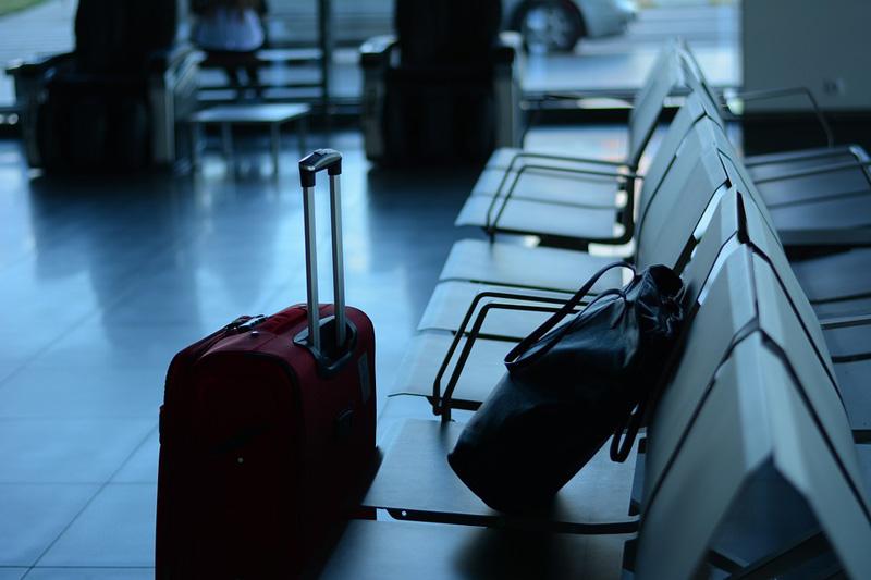 Mladík hrozil bombou na letišti v Brně, hrozí mu tři roky vězení