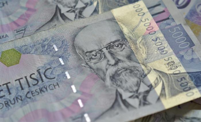 Šestadvacetiletá žena z Nejdku podvodným jednáním způsobila bance škodu 160 tisíc korun