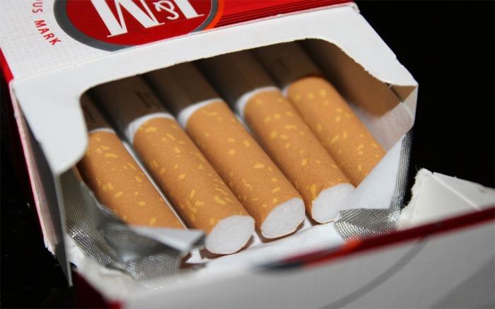 Podnikavci z Karvinska vydělávali na prodeji nekolkovaných cigaretách, teď je čeká soud