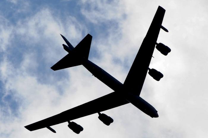 Nad Českem přeletí obří bombardér B-52
