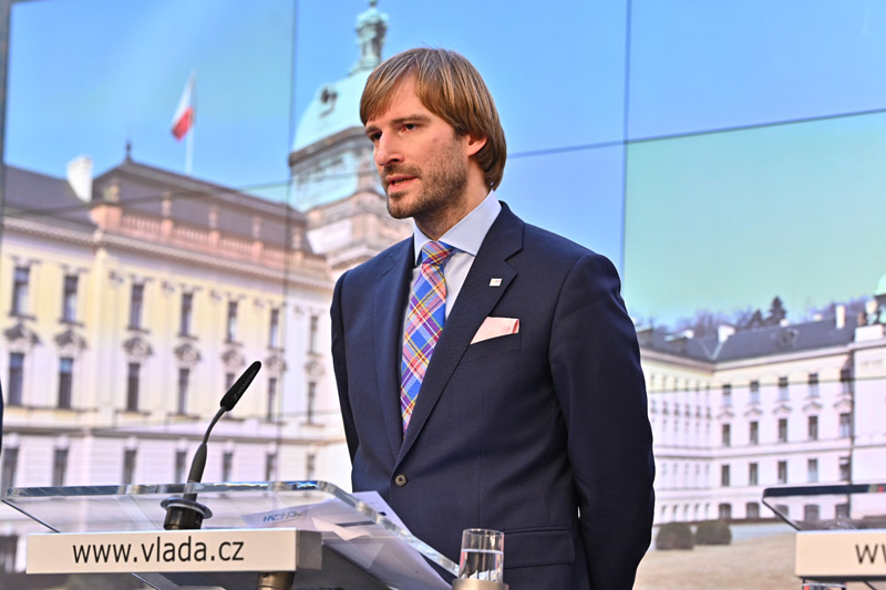 Ministr Vojtěch: Situace není dobrá, epidemie nabírá na síle