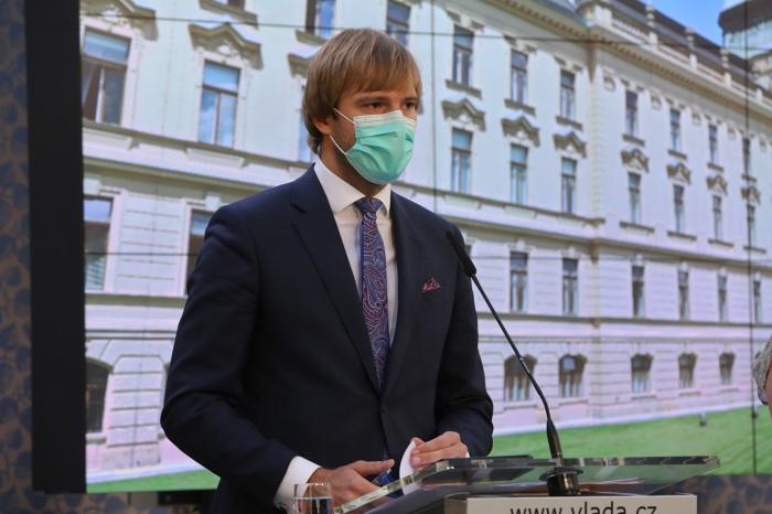 Ministr zdravotnictví Adam Vojtěch rezignoval