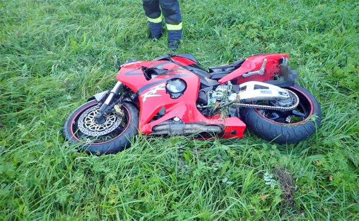 Střet motocyklisty s osobním automobilem na Zlínsku si vyžádal jedno vážné zranění
