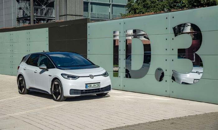 Revoluční Volkswagen ID.3 elektrizuje český trh