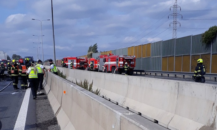 Při nehodě několika aut na dálnici D1 u Brna zemřeli tři lidé