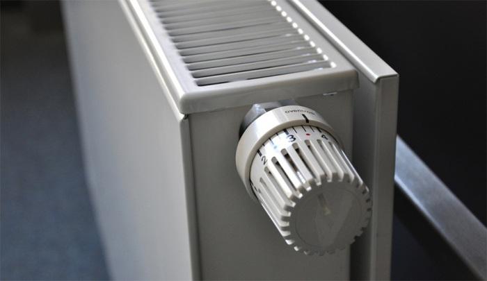 Nejvíce tepla na vytápění spotřebují domácnosti, pandemie snížila spotřebu v průmyslu i veřejných budovách