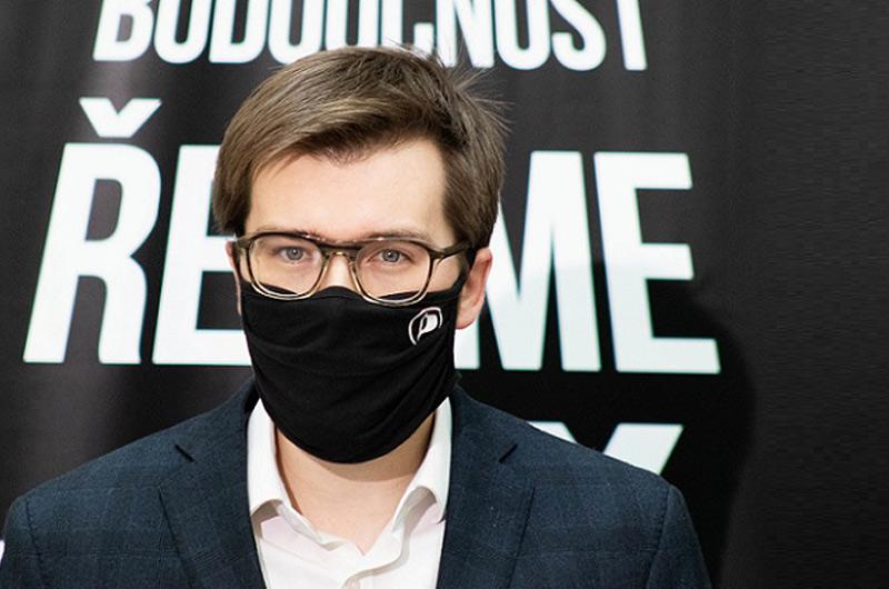 ANO s podporou KSČM a SPD odmítlo řešit korupci v zemi. Česko zůstává na posledním místě evropského žebříčku