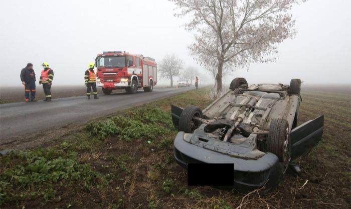 Hasiči zasahovali u dopravní nehody dvou osobních aut u Brňan