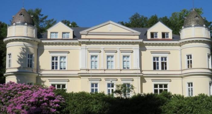 Střední škola logistická Dalovice na Karlovarsku pořádá online Den otevřených dveří