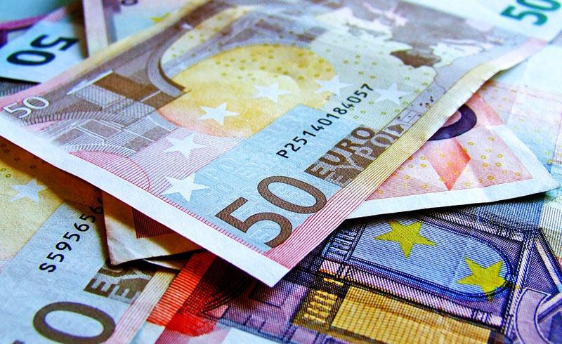 Čistá pozice ČR vůči EU loni dosáhla +85,7 miliardy, jde o druhý nejlepší výsledek