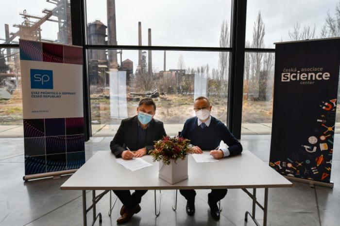 Průmysl a česká science centra spojují síly