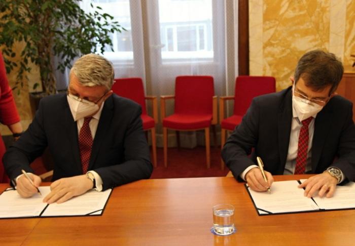 K dohodě s Ministerstvem průmyslu a obchodu o energetických úsporách se připojují i firmy E.ON Energie a EG.D
