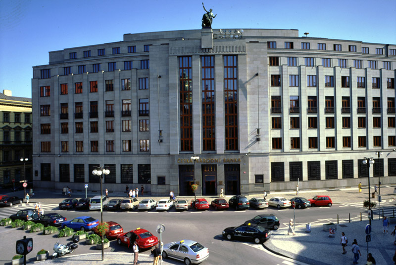Česká národní banka začala vydávat Zprávu o měnové politice
