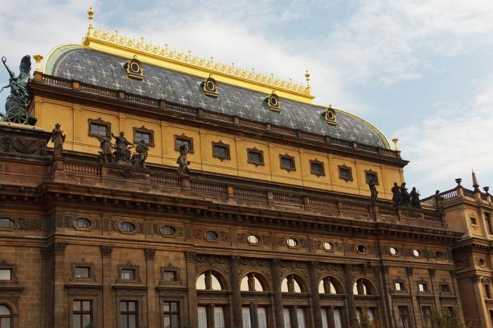 Národní divadlo zažije v sobotu největší koncert v dějinách. Česká televize přináší divákům vystoupení v přímém přenosu