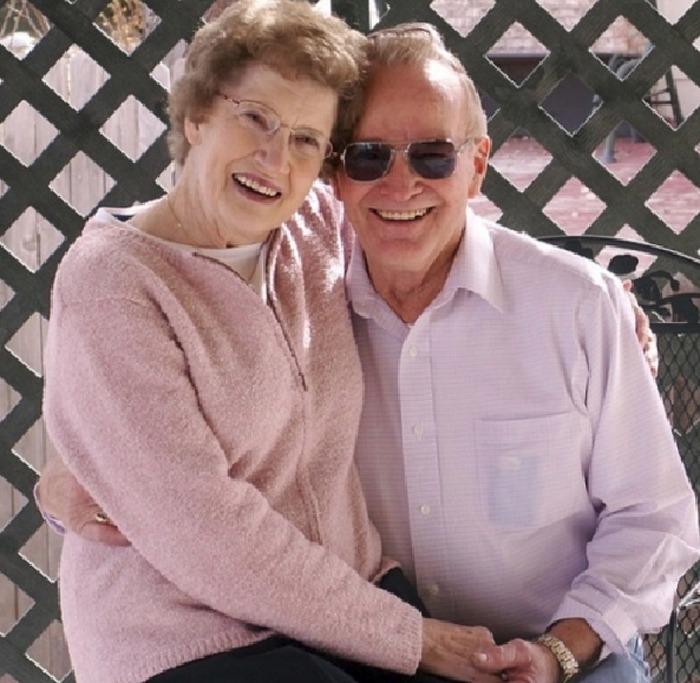 Intimní vztahy mezi seniory a seniorkami jsou normální
