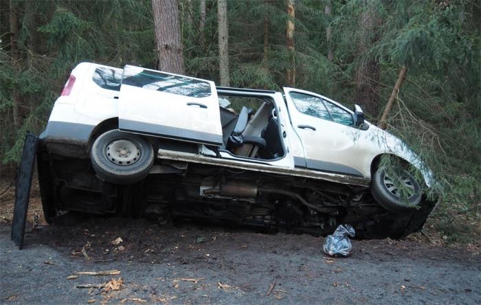 Řidič dodávky se po nehodě vydával za spolucestujícího