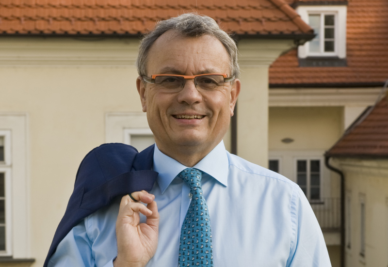 Prezident Hospodářské komory Vladimír Dlouhý poděkoval podnikatelům a jejich zaměstnancům za to, že udržují chod české ekonomiky