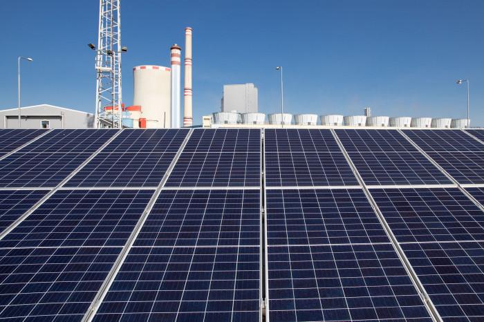 ČEZ zkouší v Ledvicích moderní solární panely pro nové velké elektrárny