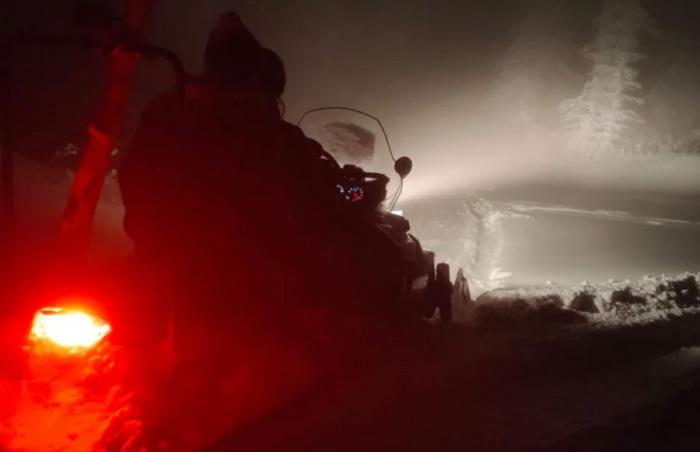 Náročná večerní záchrana turistů zbloudilých v Beskydech
