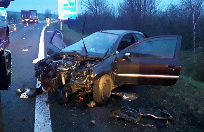 Jedna osoba se zranila při dopravní nehodě osobního auta u Bystřan