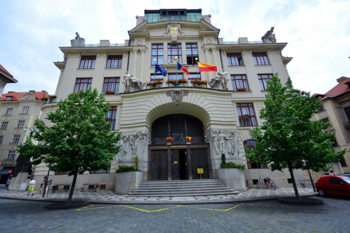 Praha žádá ministra Arenbergera o co nejdřívější otevření dětských skupin