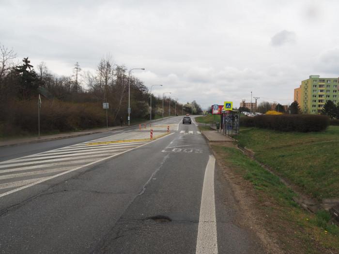 Řidička srazila na přechodu dvanáctiletou dívku a z místa nehody odjela
