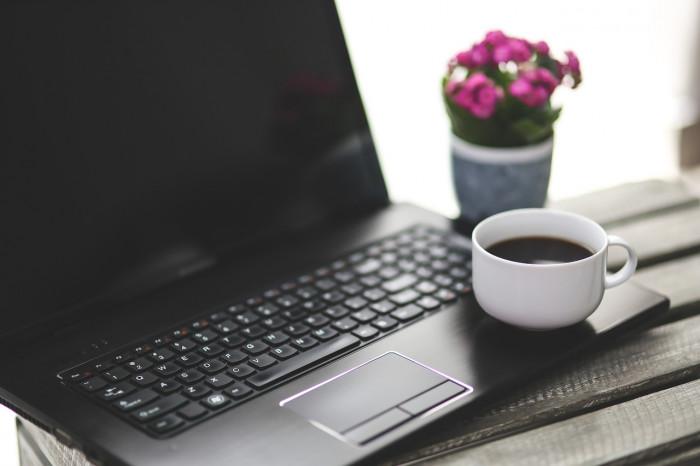 5 klíčových vlastností, které by měl mít notebook určený na práci z domu