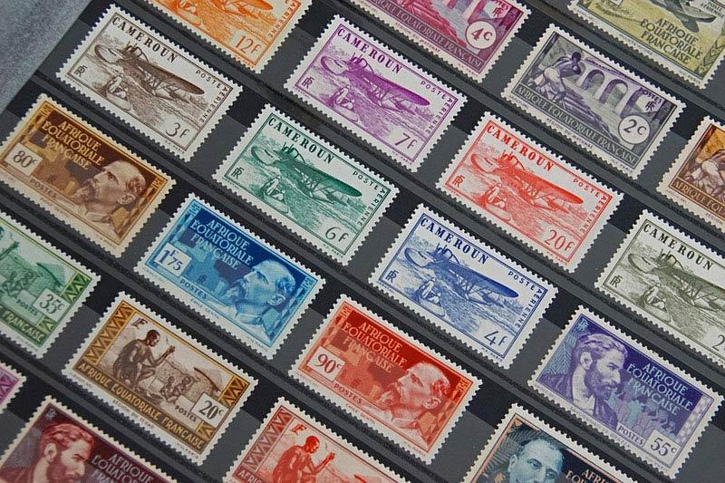 Pachatel krádeže poštovních známek ve Vrchlabí skončil ve vazbě