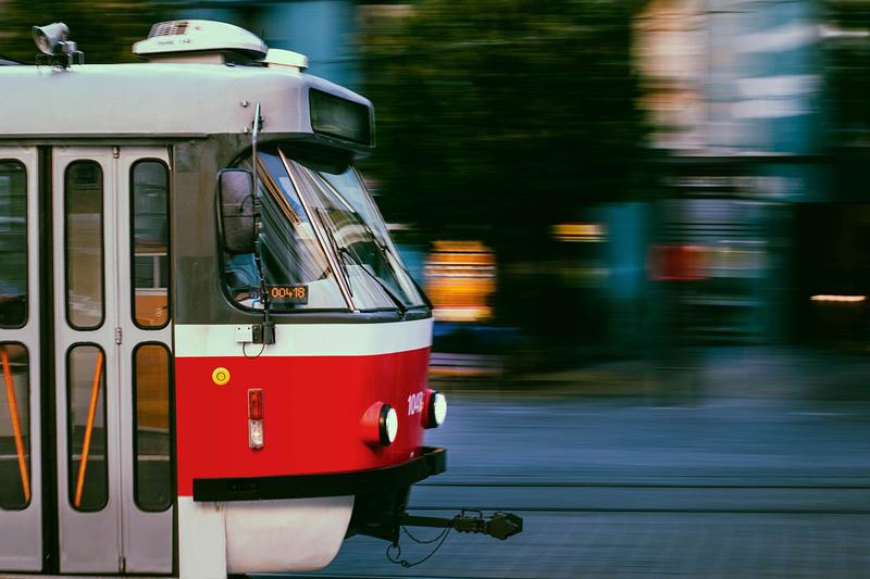 Provoz tramvají v Praze zrychlil díky preferenci MHD