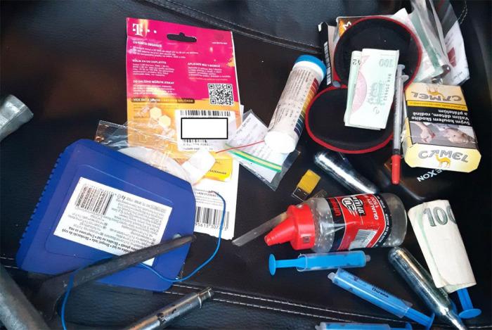 Cizinec vezl ve voze červený fosfor, látku k výrobě pervitinu