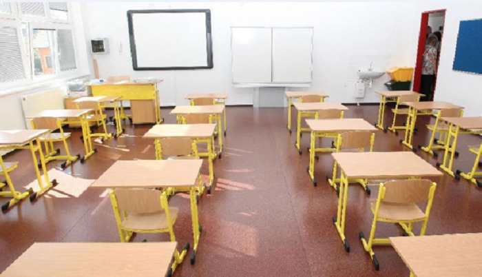 Karlovarský kraj pokračuje v projektu na zabezpečení škol