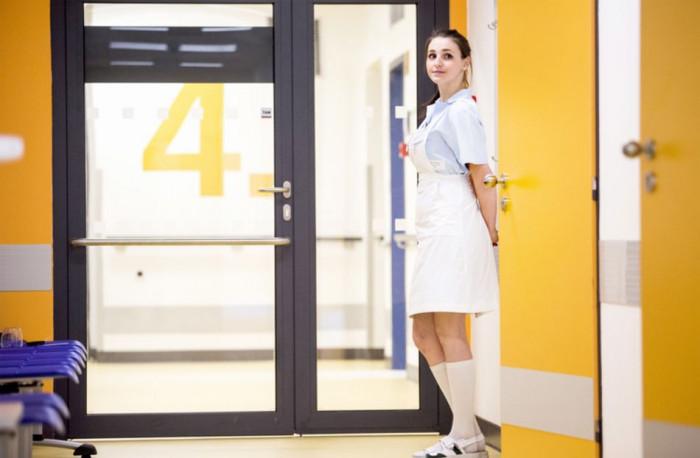 Kraj rozdělí mezi zdravotnické školy půl milionu korun od ČEPSu jako poděkování za pomoc s covidem