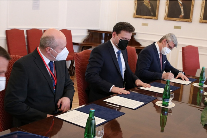 O krok blíž D49. Kraj podepsal memorandum o spolupráci s Ministerstvem dopravy