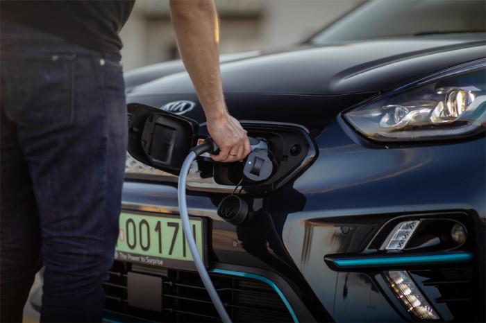 Společnosti Kia a Uber zahájily spolupráci na poli elektrické mobility v Evropě