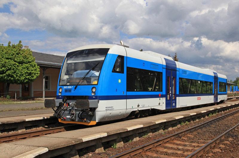 Nízkopodlažní RegioSpidery ve Středočeském kraji nahradí na dvou tratích motoráky řady 810