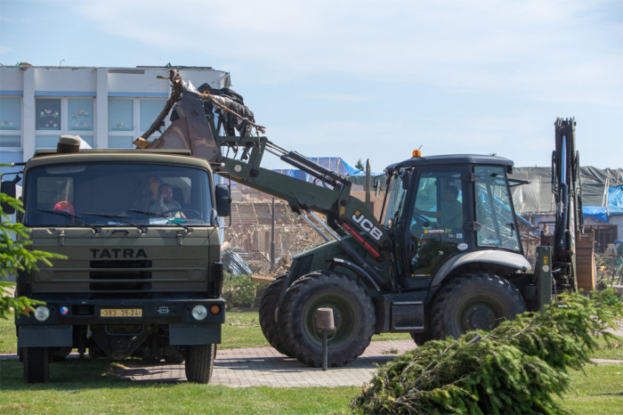 Armáda pokračuje v pomoci jižní Moravě